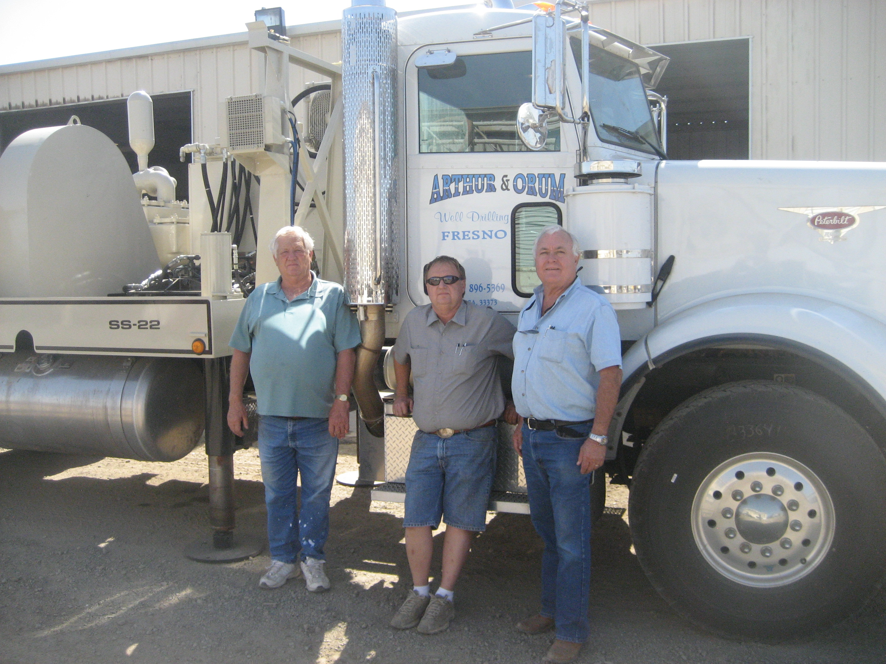 Floyd_and_Steve_Arthur_with_New_SS-22_11-1-09_978.JPG